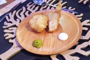 Fish&chips de peixe porco, crema de Arzúa-Ulloa e paté de Pementos de Herbón